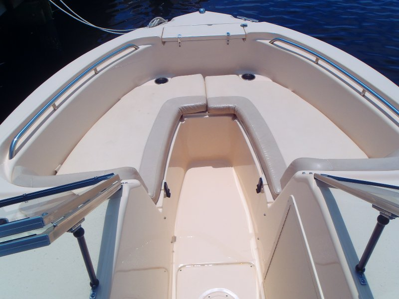 032-spacious-bow-seating