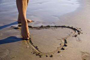 ValentinesDay-walkonbeach